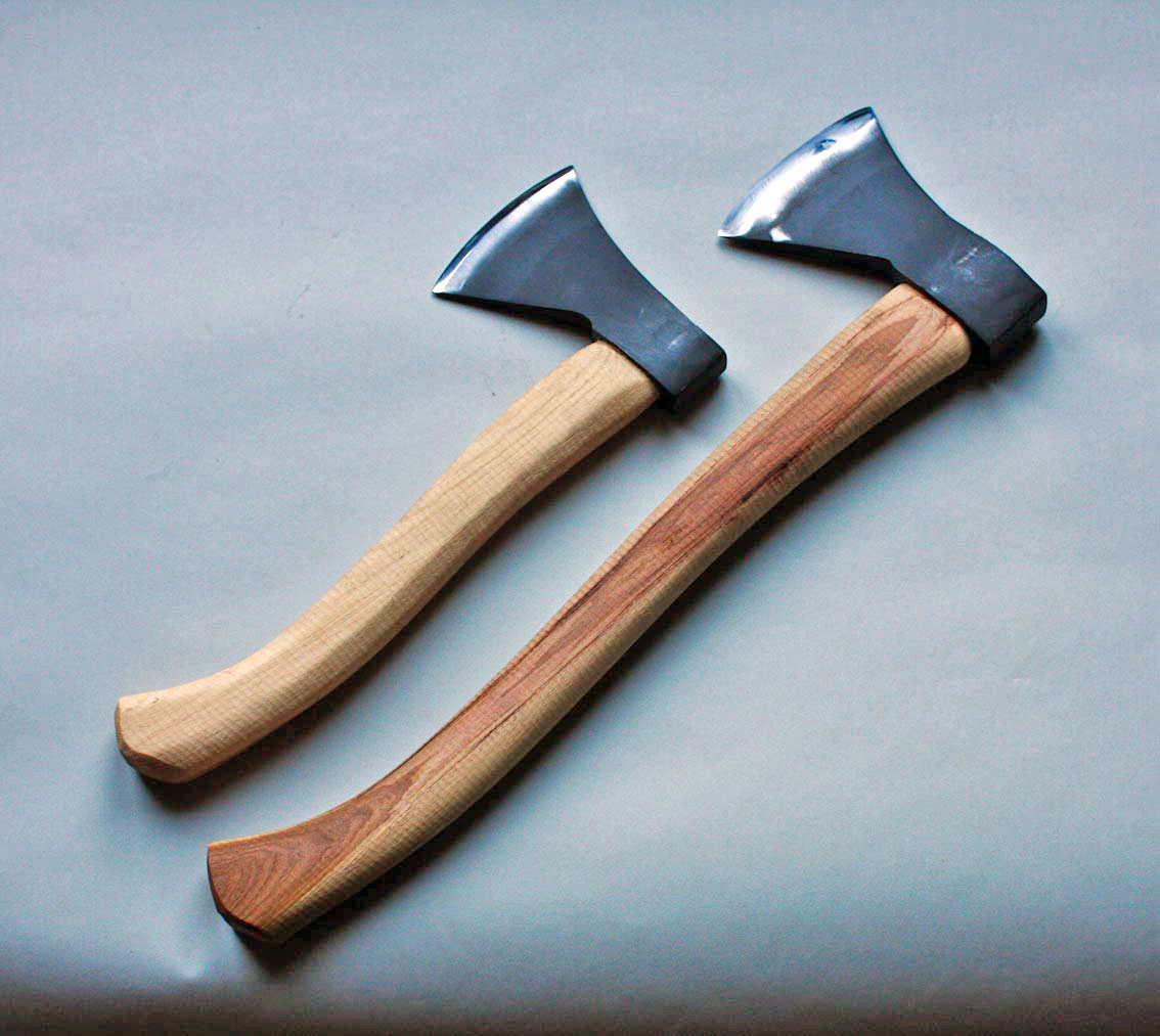 The bushcraft axe wood tools